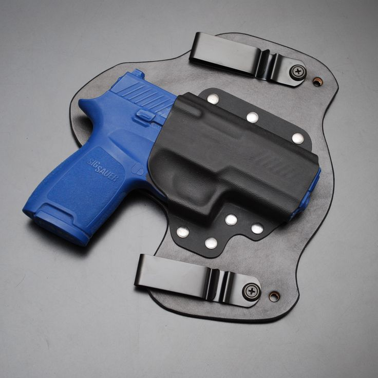 Sig Sauer P320 gun holster for comfortable concealed carry. . . . . . . www.treadsoftlyconcealment.com  #gun #guns #ccw #concealedcarry #molonlabe #edc #everydaycarry #donttreadonme #gear #kydex #holster #TSC #treadsoftly #treadsoftlyconcealment #DGU #def