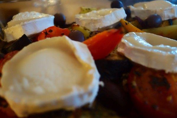 Grönsaker i ugn med getost. Oven baked vegetables with goat cheese.