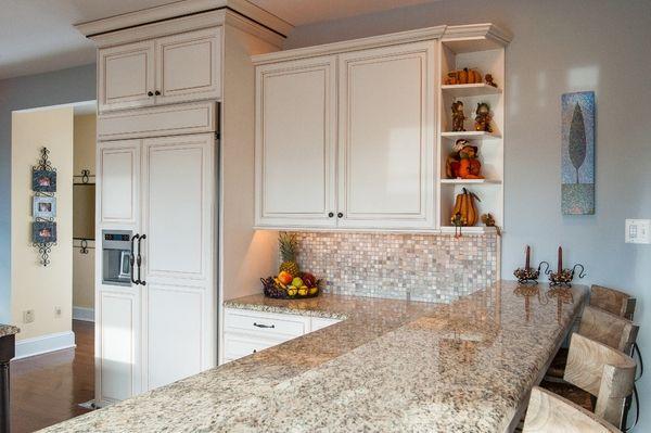Best Kitchens With Ornamental White Granite Small Kitchen 640 x 480