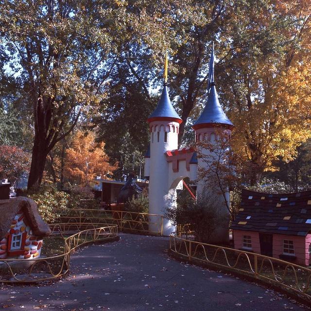 Le Jardin des merveilles, 1965 by Archives de la Ville de Montréal, via Flickr