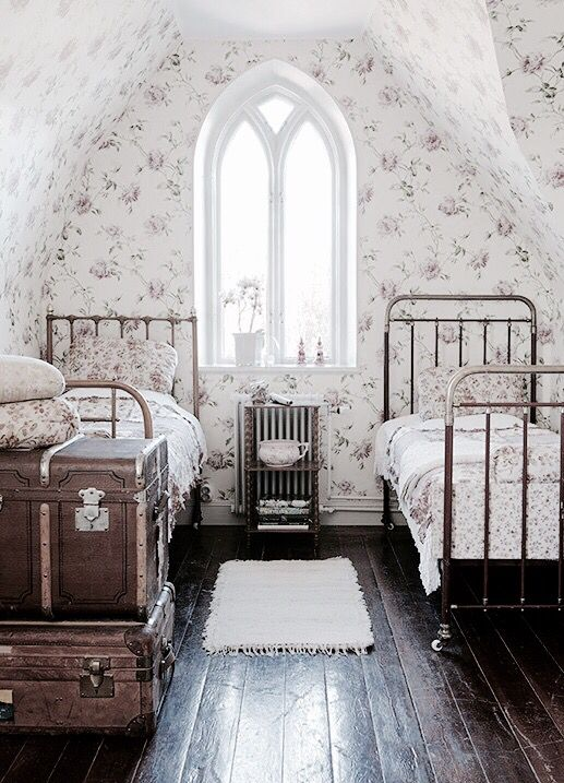 I love this old fashioned look. This would be nice to have for a double extra beds in the attic to have a spare guest area.