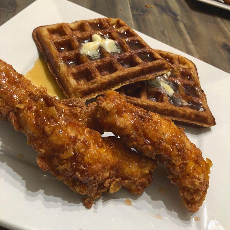 [HOMEMADE] Cornflake Fried Chicken w/Spicy Honey and Buttermilk Waffles https://i.redd.it/3o6qwff4cki01.jpg