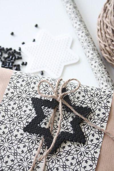 wrapping up, leuk en origineel ideetje voor de geschenkjes - zo geraken de strijkpareltjes ook verder opgebruikt