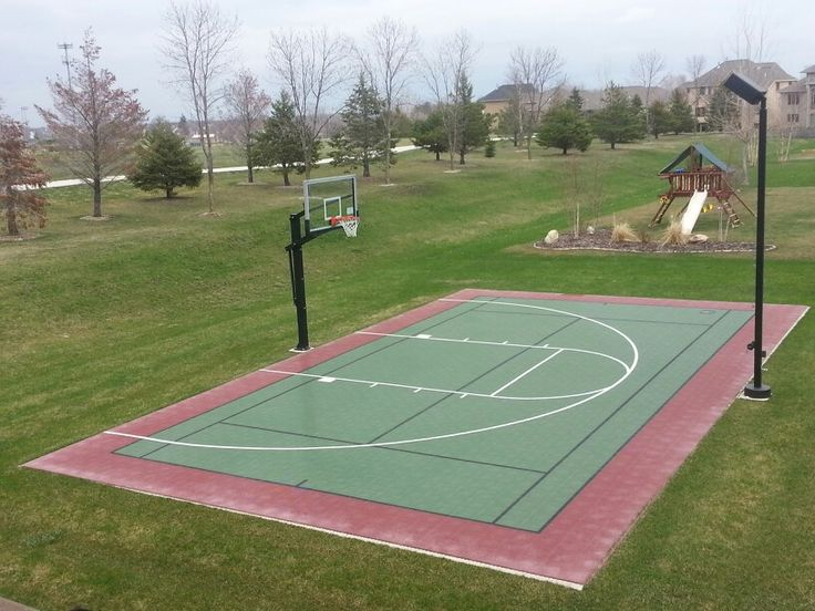 Now that's a basketball court! Every back yard should have one of these! :)