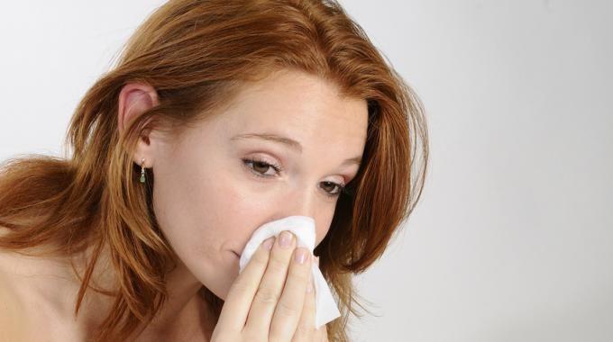 Soigner les maux de gorge par des gargarismes au Bicarbonate...