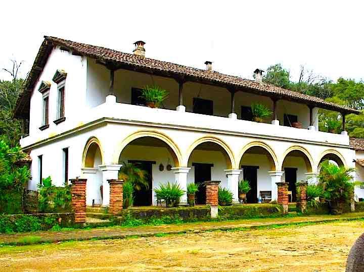 Hacienda Jalisco I like the first floor breezeway/second floor balcony. Facing into a courtyard?