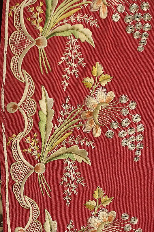 British three piece suit, 1775-1780. Floral pattern embroidery, made of silk and linen.