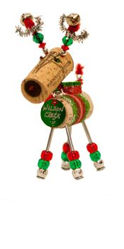 Winedeer Cork Ornament... too cute! I think I could probably make this :)