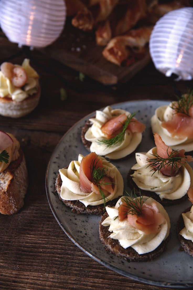 St[v]ory z kuchyne | Cheese Party Snacks with salmon