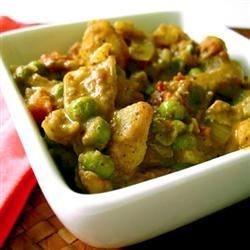 Vegan potatoy curry -- Abundant spices make this better than any restaurant curry I've tasted.