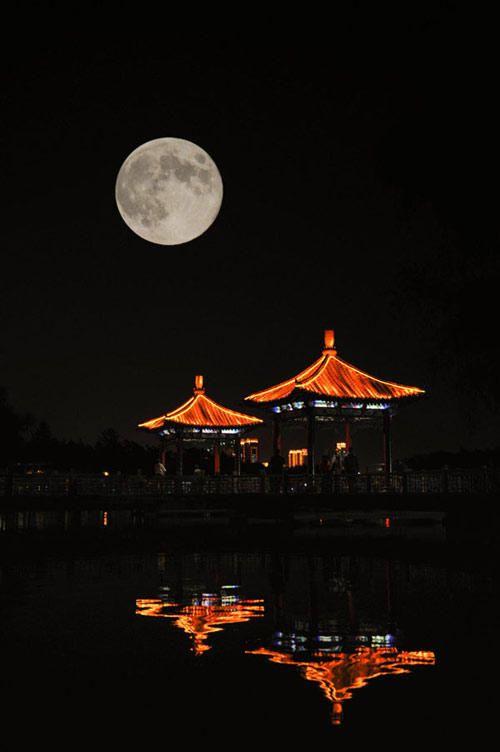 Full Moon above Changchun City, Jilin Province, 2012 09 30.