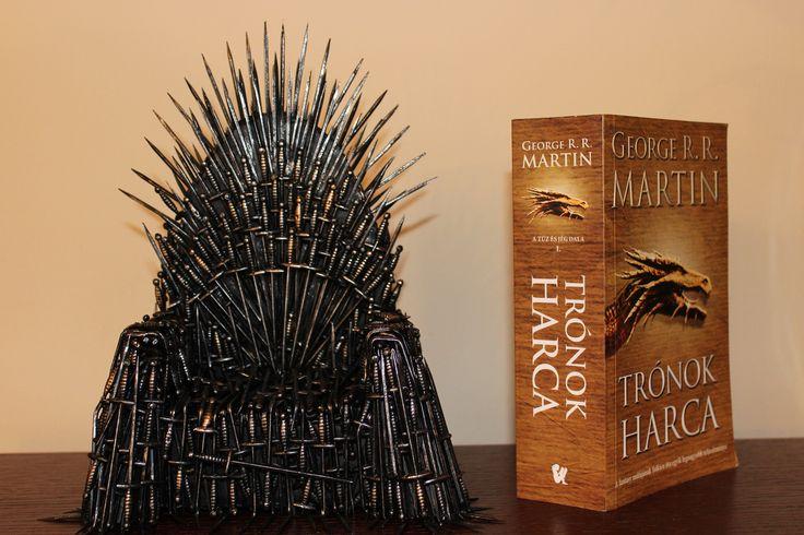 Csináld magad - Vastrón -  DIY - Iron Throne - Trónok Harca - Game of Thrones - SZMK  #diy #geek #diygeek #geekstuff #gameofthrones #got #ironthrone #winteriscoming #winterishere #csinaldmagad #vastrón #vastron #westeros #tronokharca #trónokharca #mozikommuna
