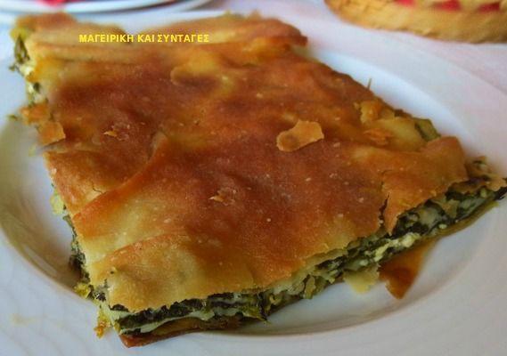 Μαζί με το πράσο και το κρεμμύδι δημιουργούν μια από  τις πιο νόστιμες πίτες!!   ΥΛΙΚΑ:   1 κιλό σπανάκι  1 χούφτα σέσκουλο  2 πράσα ...