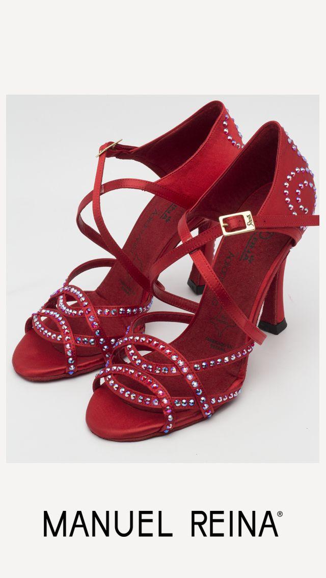 ❤️❤️  Hoy toca noche de pasión!!!!   Los amo!!!! ❤️❤️ #Tendencia #BAILE #sandals #sandalias #zapatos #salsa #anitacollection #adrianyanita #fashion #redshoes #rojo #moda #kizomba #mambo #tango #salones #hechosamano #madeinspain #manuelreina #zapatosexclusivos #shoes #womanshoes #divinity #luxe #dancer #ballerina #bachata #bailelatino #ilovedance