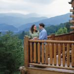 The Ultimate Smokies Cabin Guide | You can rent a cabin in the Smokies for less than you'd pay for a hotel. We'll show you how. Our tools and tips teach how to pick the perfect cabin and plan a dream vacation―for 2 or 20.