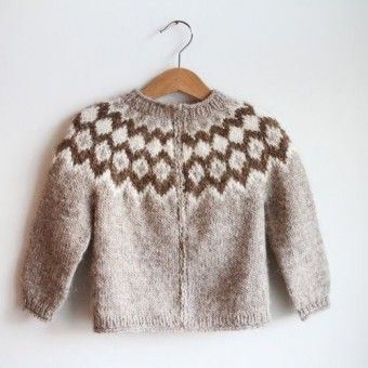 Cute kids' sweater (and it's a free pattern!)