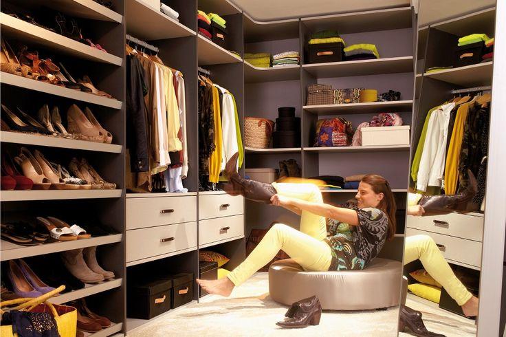 Walk in closet - miljö Måttbeställd garderobsinredning