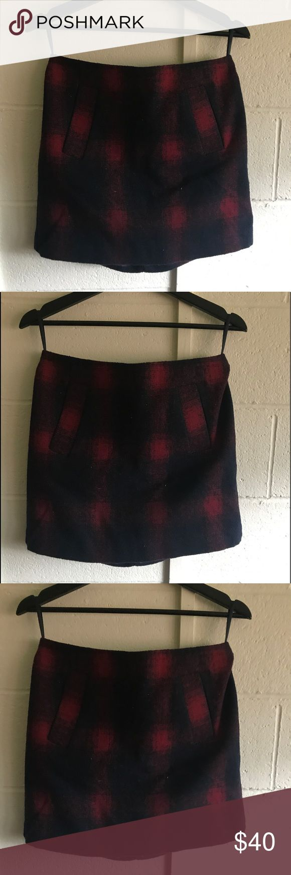 Vintage Gap Plaid Pencil Skirt NWOT Vintage gap, super chic! The outside has a very old-school wool type of fabric, but the inside is covered with a silky smooth inner layer so you don't feel itchy wearing it. The skirt goes down mid-thigh and has two front pockets! The zipper is in the back. Vintage Skirts Pencil