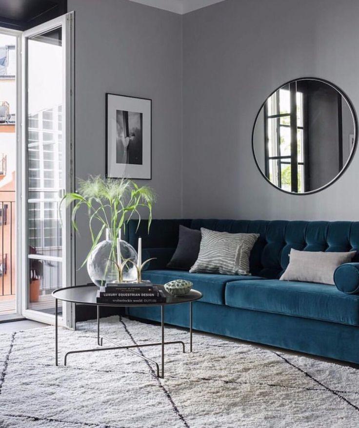 The Most Popular Modern Sofas On Pinterest Right Now // Velvet Sofas. Living Room Sofa. Living Room Ideas. #modernsofas #velvetsofa Read more: http://modernsofas.eu/2017/09/04/popular-modern-sofas-pinterest-right/