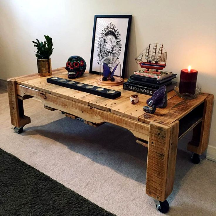 Pallet TV Bench on Wheels 15