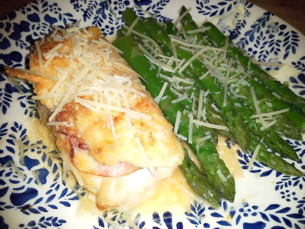 90 Days of Low-Carb Recipes: Day 21–Low Carb Chicken Cordon Bleu