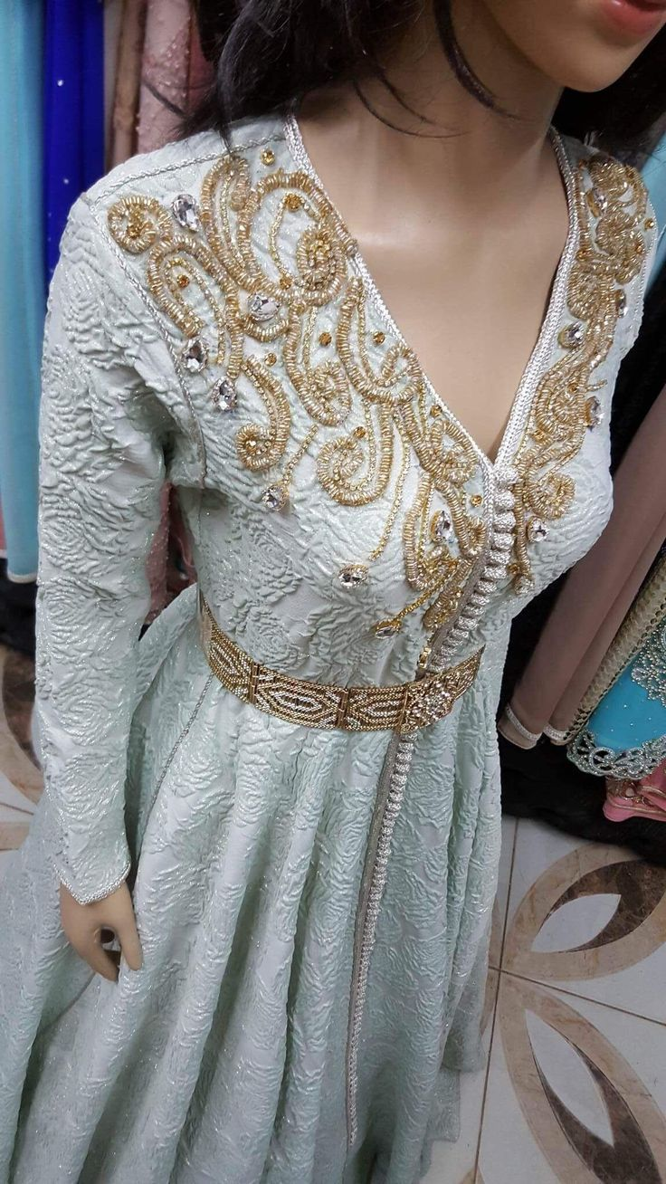 36 best takschita images on pinterest caftan marocain moroccan dress and morocco. Black Bedroom Furniture Sets. Home Design Ideas