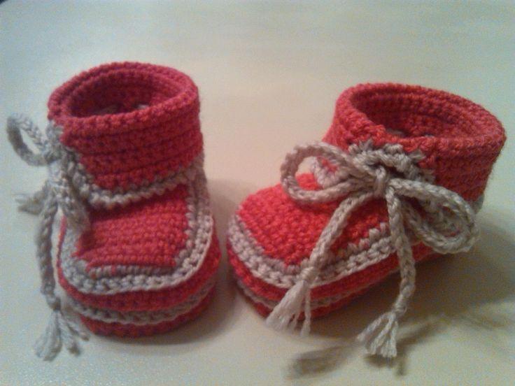 Ravelry: Asymmetrical Baby Booties (ENGLISH LANGUAGE) by Tanti Punti