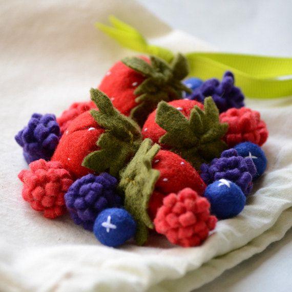 Felt Food Berries, Strawberries, Blueberries, Raspberries Children's Play Food. $22.00, via Etsy.Playfood, Felt Crafts, Fun, Felt Food, Children Play, Felt Berries