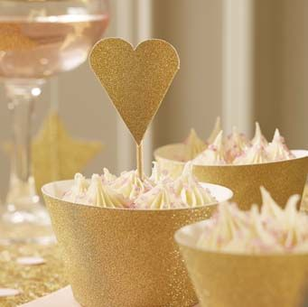 The stunning heart shaped cake toppers are perfect for cupcakes, wedding cupcakes and even the main wedding cake.