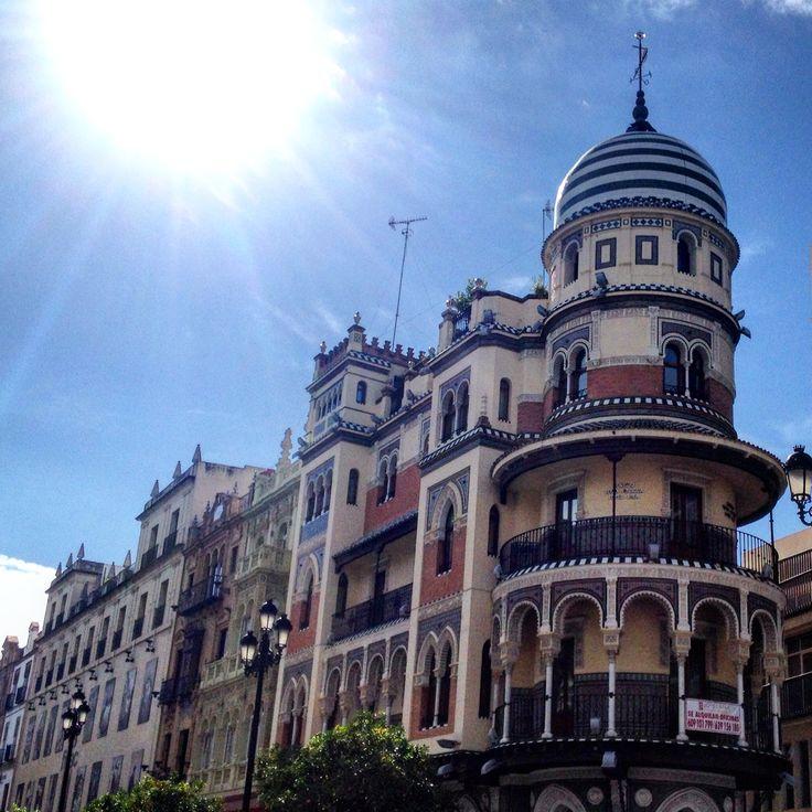 #sevilla #seville #andalusia #andalucia #avenidadelaconstitucion #house