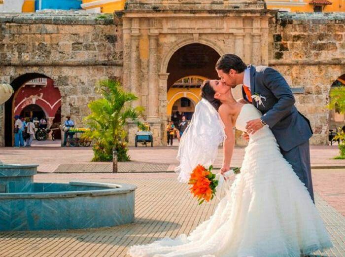 Wedding shooting cartagena colombia photo by Pedraza Producciones
