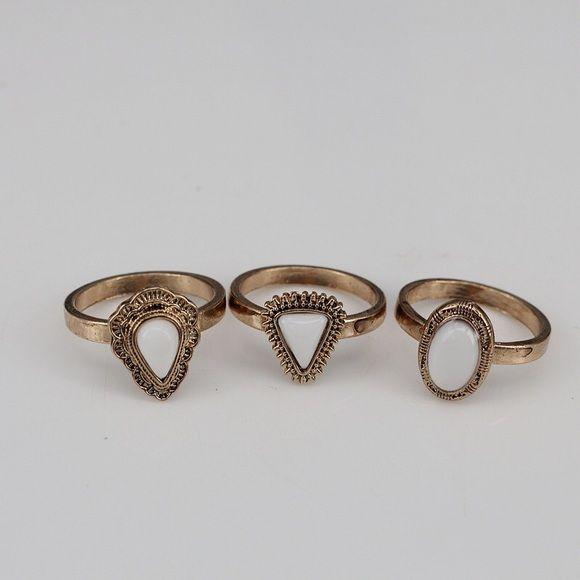 New Gold Lovisa Ring Set Brand new Lovisa Jewelry Rings