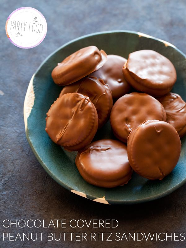Chocolate Covered Ritz....mmmm!: Cookies, Sweet, Butter Ritz, Ritz Sandwiches, Chocolate Covered, Covered Peanut, Peanut Butter, Dessert