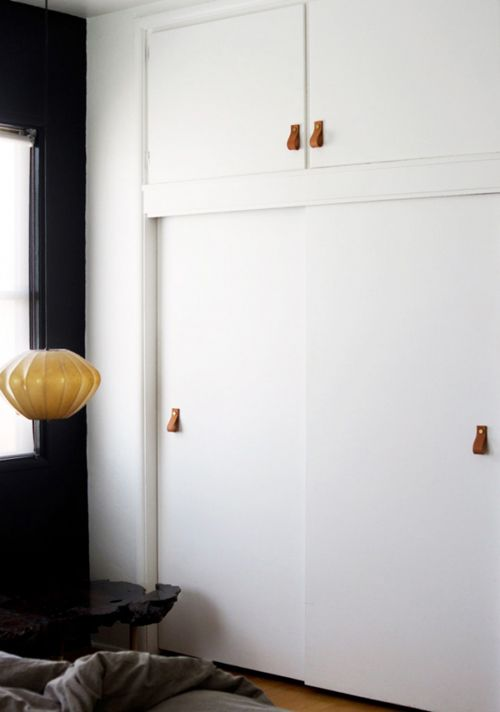 leather pulls to modernize lame cabinet doors