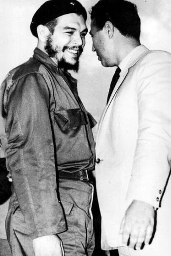 Ben Bella et Che Guevara.