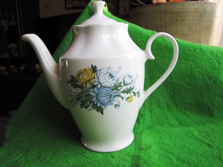 Vintage USSR Russia Latvia Factory Riga RPR Large Cofee Tea Pot White green blue