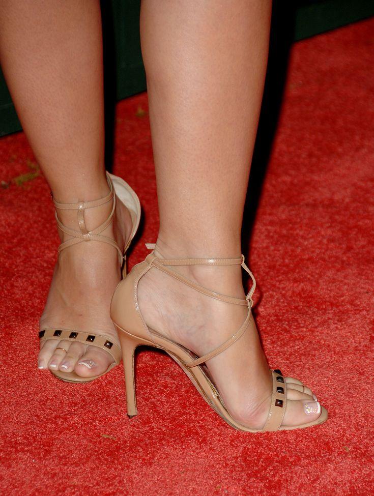 jennifer love hewitt nude feet