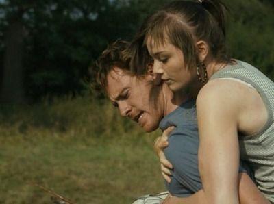 Fish Tank Movie Review & Film Summary (2010) | Roger Ebert
