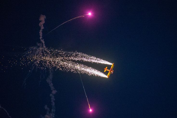 AirVenture 2012 Night Airshow | Flying Magazine