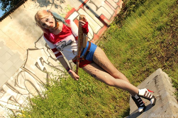 """""""#HarleyQuinn (#SuicideSquad)  #Cosplay by #MartyNovotna  #FB page: https://t.co/2qAmYMgLuz            #Harley #film #movie #SKWAD"""""""