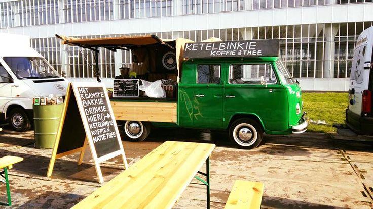 Koffie entertainment voor bedrijfsfeest, symposium of congres. Lekker Rotterdams!