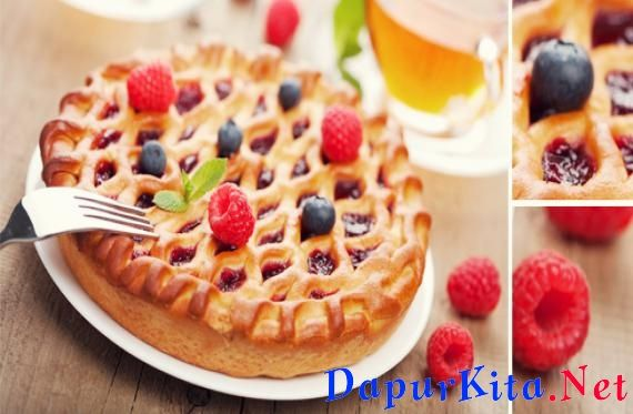 Bahan: 2 lembar adonan pie siap pakai 1 kotak adonan kue siap pakai (merek dan rasa sesuai selera)1 kotak adonan lapisan kue sesuai selera, misalnya cream cheese atau krim kocok Telur sejumlah instruksi kemasan adonan kue Minyak sayur sej