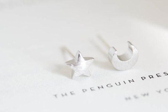 Korean fashion wave of female cute little stars and moon sutd earrings  special unique earrings ED020
