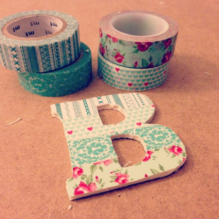 Belle idée pour décorer des lettres en carton Washi tape B - www.littlehannah.net