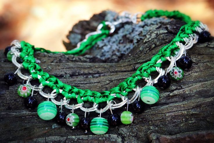 This beautiful green necklace is made for those who love color. Even more green symbolizes nature and youth and this is what its all about.