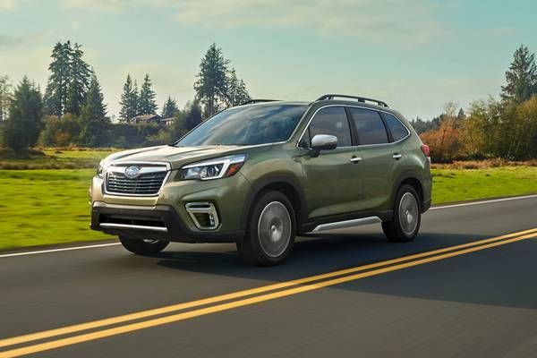 Best Small Suvs Top Rated Compact Suvs For 2020 Edmunds In 2020 Compact Suv Subaru Forester Subaru