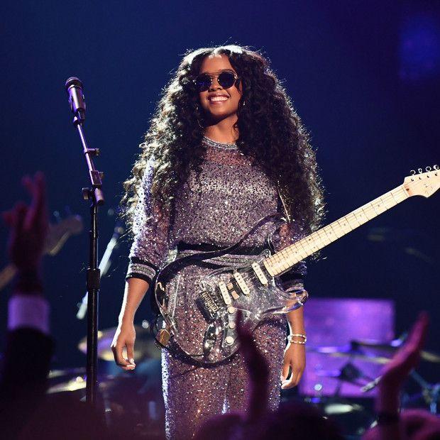 Después de que conozcas todo sobre H.E.R., una de las más nuevas cantantes que ya se ha ganado dos Grammy, se convertirá en tu favorita. R&b Artists, Music Artists, Best R&b, R&b Albums, Black Girl Aesthetic, Music Aesthetic, Famous Women, Famous People, Badass Women