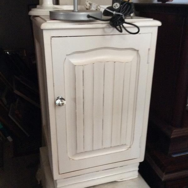 Hey JUDES has a room full of revamped bedside Pedastals so try  all your furniture needs. 9 - 4 every day, Mondays closed. HEY JUDES BIGGEST FURNITURE BARN IN KZN, has two shops, 1 Fraser Road, Assagay and original 1830s Barnsituated on our sugar cane farm 20 mins from Hillcrest Hey JUDES, head on up the N3 towards PMB, take Camperdown Offramp and left at 3km Tjunction, then 4km to next sign and go right 4km. PMB side take exit 61 Eston Umbumbulu, it's just 5km to Hey JUDES sign on the R603…