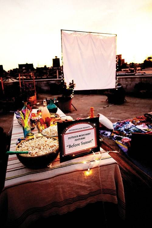 Summer Picnic Hacks and Ideas for Outdoor Movie Nights | Domino