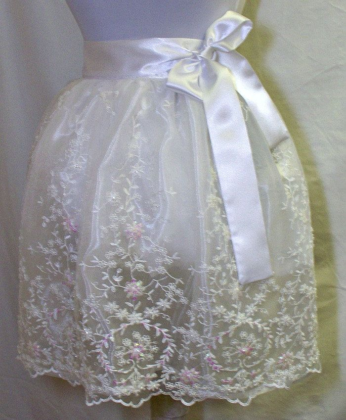 Lace Apron is just beautiful...  maybe not very practical but sooooo pretty!